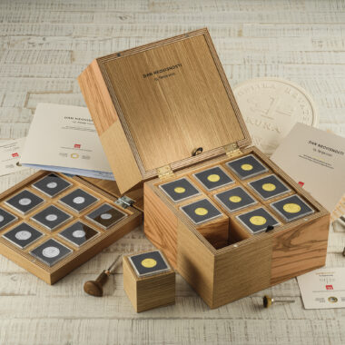Gold and silver numismatic sets